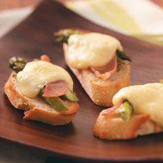 Asparagus, Brie and Parma Ham Crostini Recipe