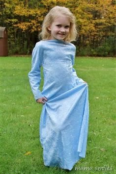 Make a child's dress-up gown in 15 minutes - start to finish.