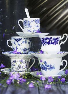 Blue and white teacups