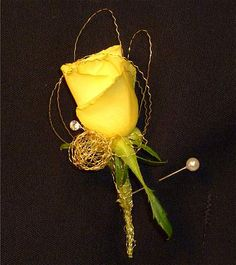 WED104 Gold Star Boutonniere popup wedding parties, boutonnier, yellow rose, idea, prom flower, parti boutonnièr