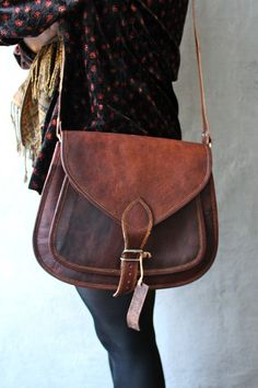 LOVE!!!!!! size 14x10x4 Large Leather Purse Bag / Messenger / Cross body / by crazycafts88