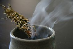 How to make and use herbal smudge bundles by Latisha from the HerbMother blog