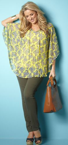 How to Wear Leggings if You're Over 40 at http://boomerinas.com/2012/06/how-to-wear-leggings-if-youre-over-40-or-50/