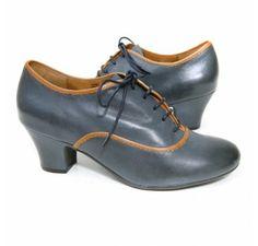 Miz Mooz 'Triumph' Heel (Navy)