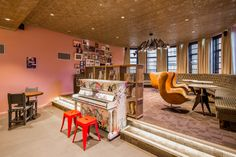 The bar at Generator Hostel London #hostel #London #Holiday #Traveling #design #bar