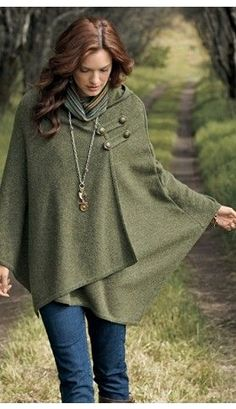 comfy cape that can be made from vintage surplus army blankets...SOOOO want this one.