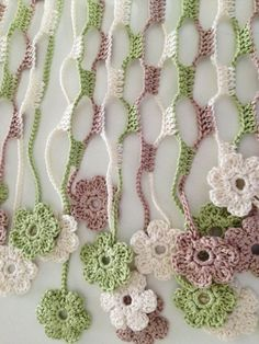 Nature flowery crochet echarpe
