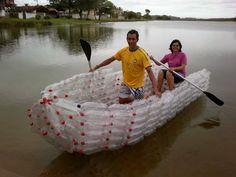ECOMANIA BLOG: Instalaciones con Botellas de Plástico