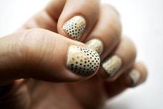 #gold and black Polka Dot #nails