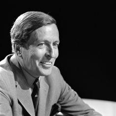 Claus van Amsberg 1926 - 2002 Prins Claus in 1970 Prins Claus in 1970 Prins-gemaal van Nederland Geboorteplaats Hitzacker Periode 1980 - 2002 Voorganger Bernhard van Lippe-Biesterfeld