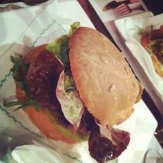 #vegan tofu burger @veggie garden barcelona