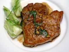 Mario Batali's Pork Chops with Fennel Seed and White Wine | Quick 'n easy