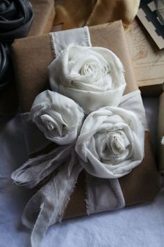 fabric roses, wrap gifts, gift wrapping, brown paper packages, wrapping gifts, diy gift, crafty gifts, handmade gifts, fabric flower