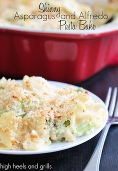 Skinny Asparagus and Alfredo Pasta Bake. All the flavor, without the calories. #dinner #recipe http://www.highheelsandgrills.com/2014/05/skinny-asparagus-and-alfredo-pasta-bake.html