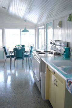 House of Turquoise: Retro Lake Cottage in Maine