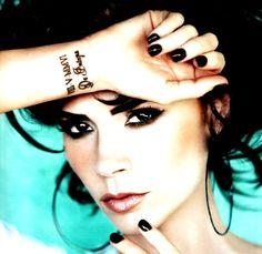 tattoo placements, makeup, victoriabeckham, victoria beckham, black nails, wrist tattoos, beauti, roman, eye