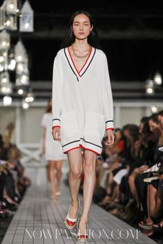 Tommy Hilfiger Ready To Wear Spring Summer 2013 New York. La robe pull
