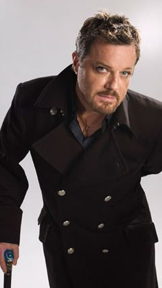 Eddie Izzard    he is da man