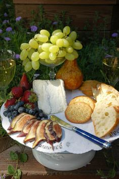Chèvre Cheese Tray   Sauvignon Blanc Wine