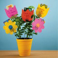 "cute teacher appreciation gift....bouquet of ""flowers"" gift cards"