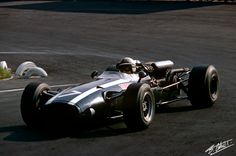 1966 John Surtees , Cooper T81