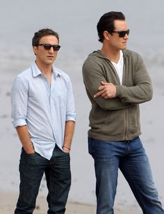 Oh, they're bad! Get more pictures of Mark-Paul Gosselaar and Breckin Meyer filming Franklin and Bash