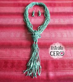 collar largo color azul aguamarina