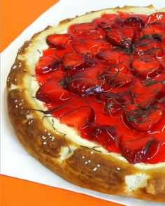 Strawberry cheesecake dessert pizza recipe