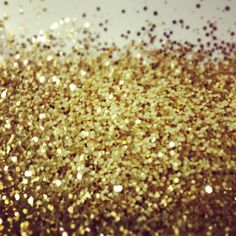 Gold glitter - Photo by @happymundane on Instagram