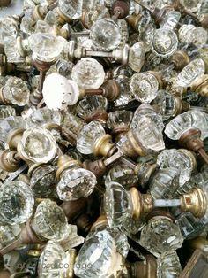 LOVE old glass doorknobs!!