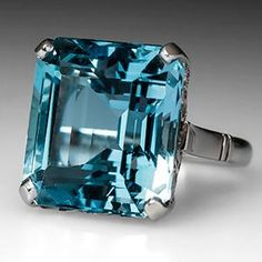 Vintage Aquamarine Cocktail Ring in 14K White Gold 1950's