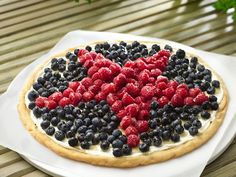 Patriotic Cookie Pizza love all the fresh berries