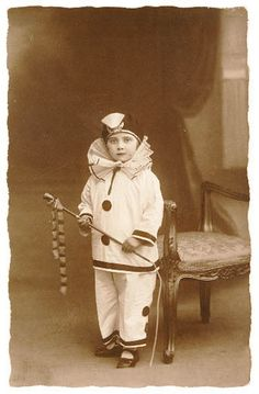 Complete and total old school circus cuteness!!! #clown #Edwardian #circus #performer #vintage #retro #entertainment
