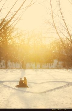 Winter engagement photo idea