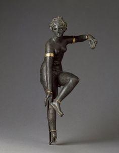 centuriespast:    Aphrodite unfastening her sandal (Louvre, 1st c. Syria?)