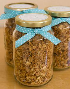 Healthy granola recipe - cute gift idea!