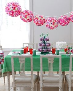 Mother's Day party decor ideas.