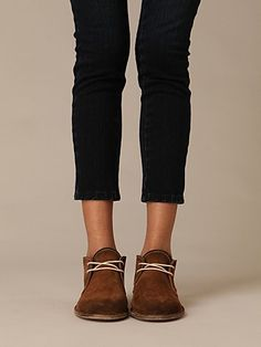 blk+brn shoes, fashion, desert boot, jeans, clarks, people, deserts, boots, black pants