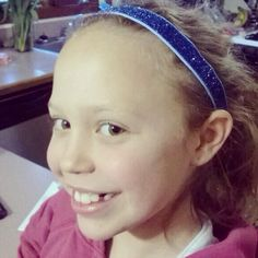 @Stephanie Close Fevergeon: My little @SPARKLYSOULINC lover in her new #specialeditionsparklysoul sky blue headband. #welovesparklysoul #nonslip #fullelastic #headband #sparklysoulinc