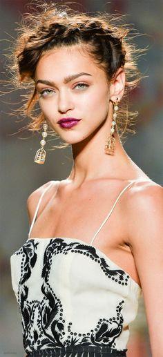 Nicole Miller miller black, runway hair, lip, beauti clothesshoesfashion, makeup, green eyes, nicole miller, nicol miller, design