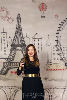 A Parisian backdrop for a photobooth