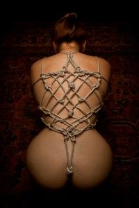 Fit to be Tied: Rope work by MaillerPhong.