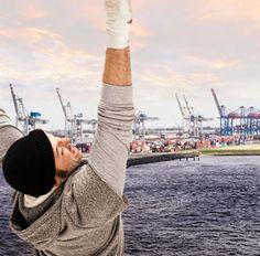 Rocky erobert Hamburg.  Rocky - Das Musical. Ab November 2012 im TUI Operettenhaus in Hamburg.  #Rocky #Musical #Hamburg #Operettenhaus #Sylvester #Stallone #Klitschko #Drew #Sarich #Wietske #Tongeren #Stage #Entertainment #StageEntertainment #Show