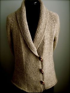 Iced by Carol Feller. free pattern, topdown.