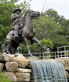 Buffalo Soldier | Artist: Eddie Dixon | Year: 1992 | Where: Fort Leavenworth, Kansas Why You Need to See it: Honors the black soldiers of the 9th and 10th Cavalry Regiments who were stationed nearby during the Indian Wars.