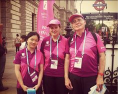 #London2012 Olympic volunteers at Westminster tube stop. Photo: UNV 2012