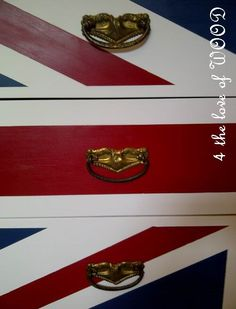 4 the love of wood: A CLASS, A DRESSER, AND SOME HANDLES - union jack dresser