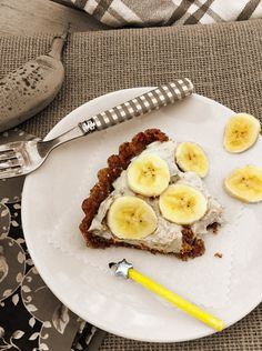 Gluten Free Banana Cream Pie on FamilyFreshCooking.com