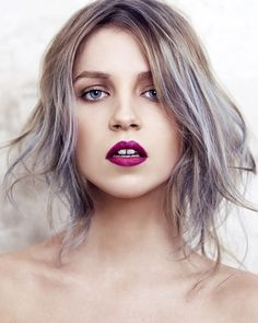 hair colors, lock, blond, dark lips, lip colors, lipstick, lilac hair, pastel hair, berries