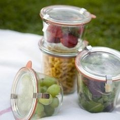 Picnic snack tubs